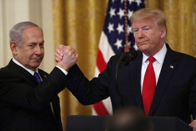 Izraelský premiér Benjamin Netanjahu a americký prezident Donald Trump ve Washingtonu