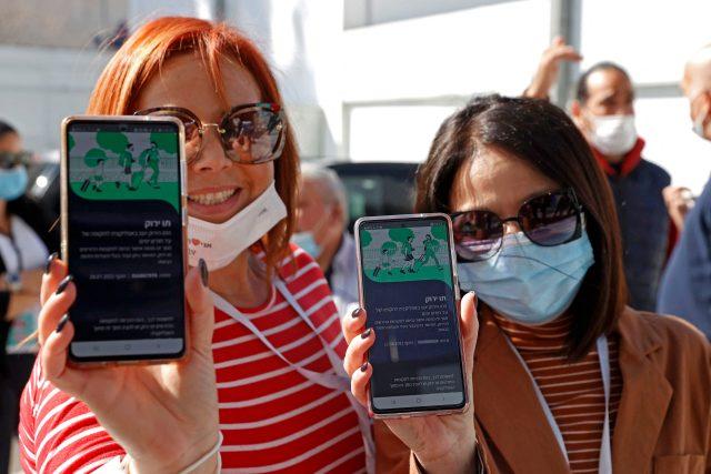 V Izraeli již funguje tzv. zelený pas, s nímž lidé naočkovaní proti covidu-19 mohou navštívit například kulturní akce