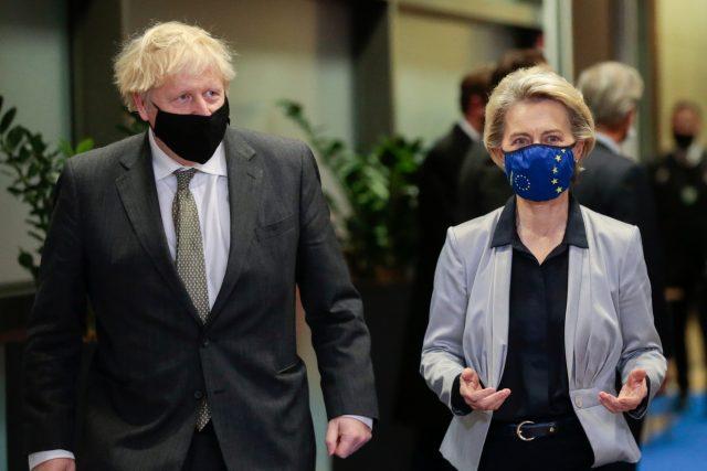 Boris Johnson a Ursula von der Leyenová během jednání o brexitu | foto: Fotobanka Profimedia