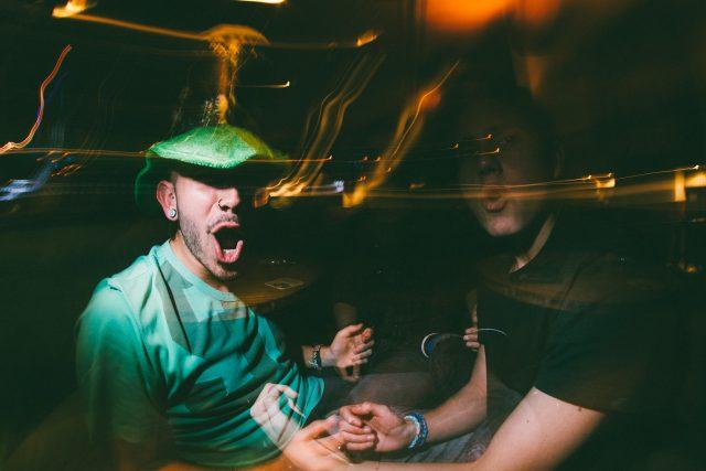 alkohol - pití - opilost - party