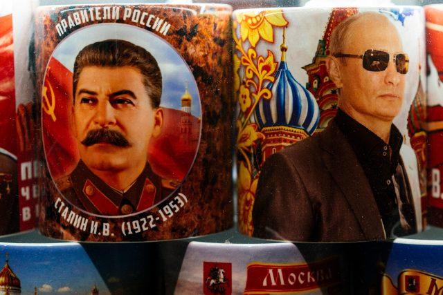 Josif Vissarionovič Stalin a Vladimir Putin | foto: Fotobanka Profimedia