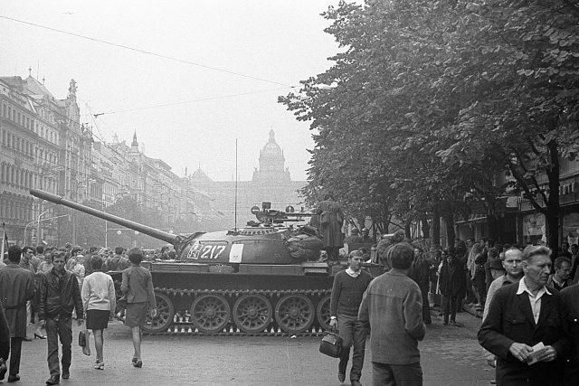 Okupace Prahy sovětskými vojsky v roce 1968