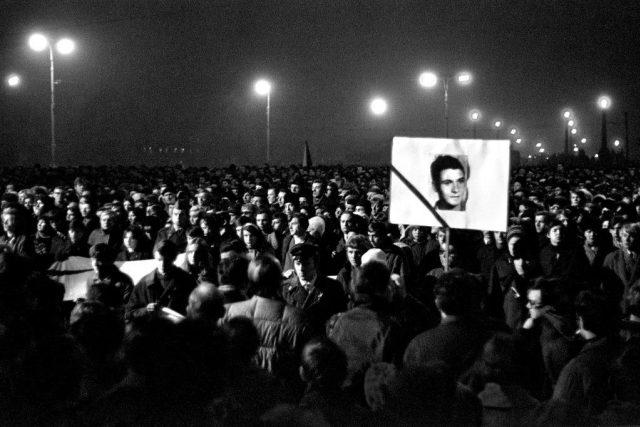 Manifestace po úmrtí Jana Palacha 20. ledna 1969 | foto: Jaroslav Kučera,  Výstava Sovětská invaze - srpen 1968