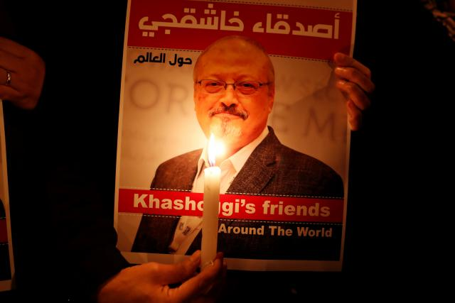 Plakát se zavražděným saúdskoarabským novinářem Džamálem Chášukdžím