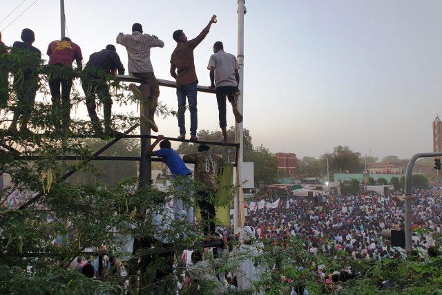 Súdán zažil největší demonstrace od svržení prezidenta Umara Bašíra