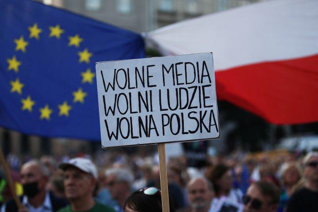 Polská provládní média upozorňují,  že soudcovská nezávislost je i po reformách vyšší než třeba v Německu. Podle Dostála ale nejde jen o to,  jak instituce fungují na papíře   foto: Adam Stepien/Agencja Gazeta,  Reuters
