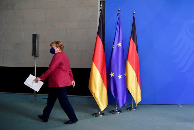 Angela Merkelová už v letošních parlamentních volbách nekandiduje | foto: John Macdougall,  Reuters