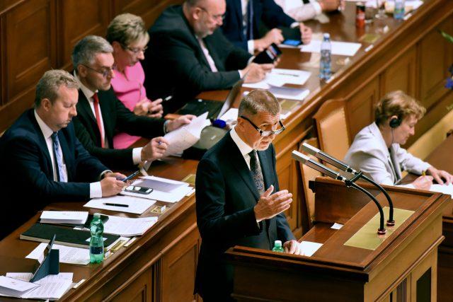 Andrej Babiš žádá Poslaneckou sněmovnu o důvěru.