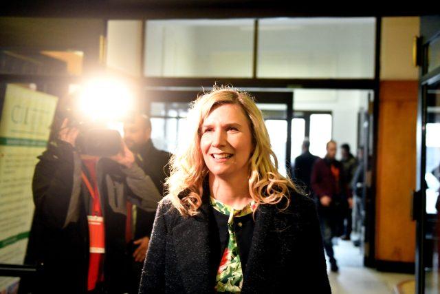 Bývalá ministryně školství Kateřina Valachová zasedla mezi delegáty s hlasem poradním a hosty na ochozu sálu Střelnice