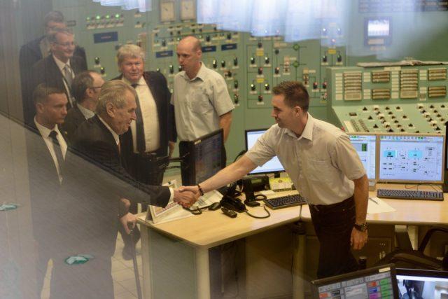 Miloš Zeman na návštěvě maďarské jaderné elektrárny