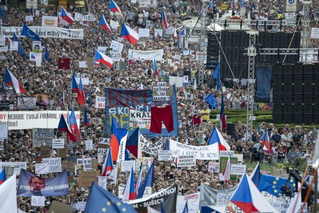 Demonstrace za nezávislost justice a proti počínání premiéra Andreje Babiše, Václavské náměstí 4.6.2019
