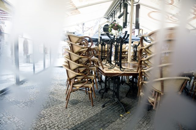 Přímé dotace jsou naprosto nezbytné,  protože všechna zařízení jsou naprosto vyčerpaná,  říká prezident Asociace hotelů a restaurací  | foto: Michaela Danelová,  iROZHLAS.cz