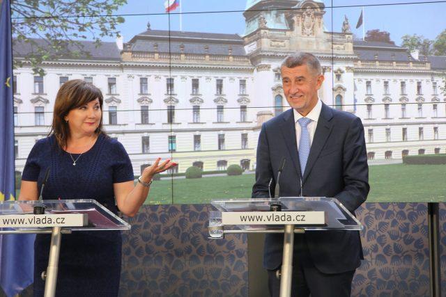 Ministryně financí Alena Schillerová a premiér Andrej Babiš