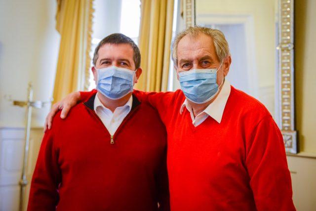 Jan Hamáček a Miloš Zeman při setkání v Lánech. | foto: Twitter Jiřího Ovčáčka