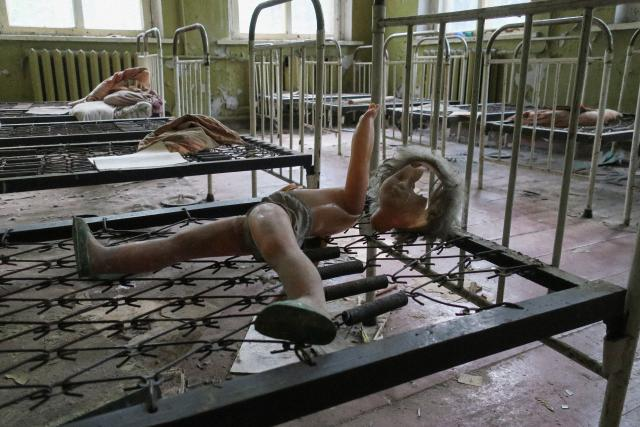 V době jaderné tragédie mělo město Pripjať průměrný věk obyvatel okolo 26 let a protože ve městě bylo velké procento mladých rodin, bylo zde pět místních základních škol. Každý rok se ve městě narodilo přes tisíc novorozenců. V roce 1990 bylo v Bělorusku