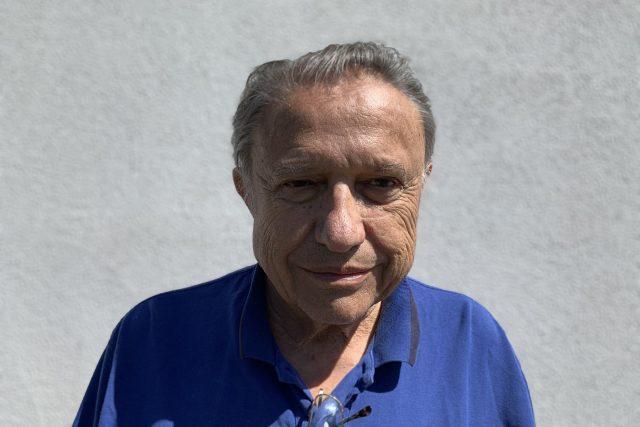 Karel Raška se věnuje studiu virů a ve svých 81 letech stále působí v univerzitní nemocnici Sv. Petra v New Jersey.