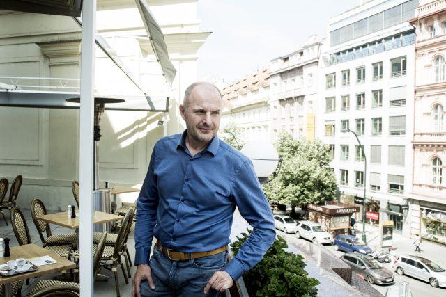 Bývalý plzeňský hejtman Josef Bernard (za STAN)