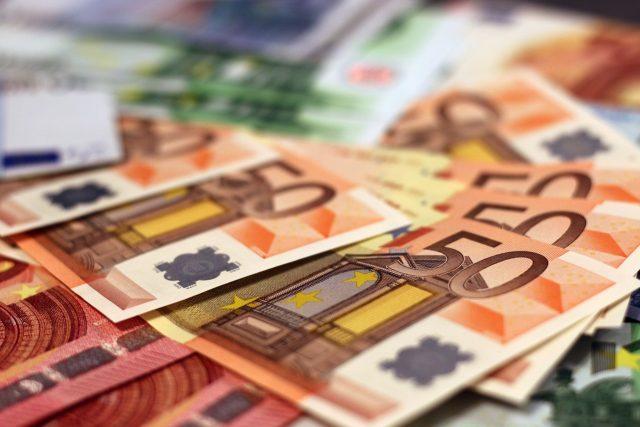 Euro, peníze, bankovky, ilustrační foto