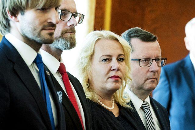 Adam Vojtěch, Robert Plaga, Klára Dostálová a Antonín Staněk během jmenování vlády.