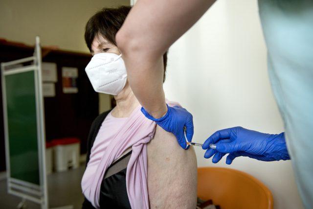 Očkování proti onemocnění Covid-19 | foto: Michaela Danelová,  iROZHLAS.cz