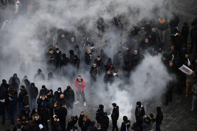 Demonstrace proti vládním opatřením na Staroměstském náměstí