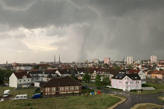 Tornádo v Česku. Fotografie z Hodnonínska 24. června 2021 | foto: PR/Sitař Marek,  ČTK