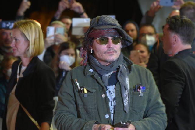 Do Karlových Varů přiletěl herec Johnny Depp.   foto: Slavomír Kubeš,  ČTK