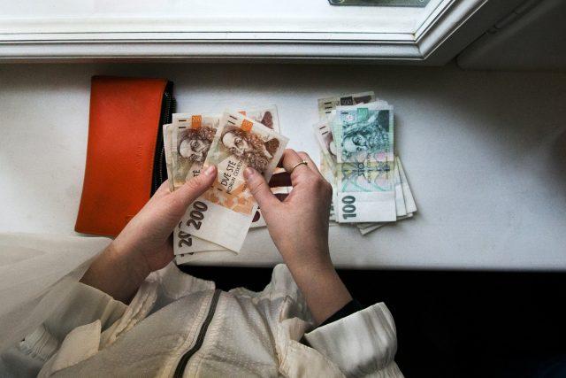 Peníze, finance, bankovky (ilustrační foto)