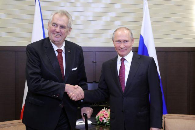 Setkání Miloše Zemana s Vladimirem Putinem v listopadu 2017 v Rusku v Soči.