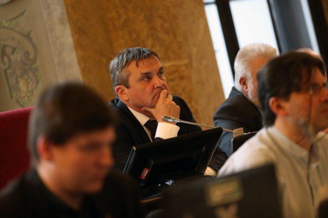 Primátor Petr Vokřál (ANO) během jednání brněnského zastupitelstva