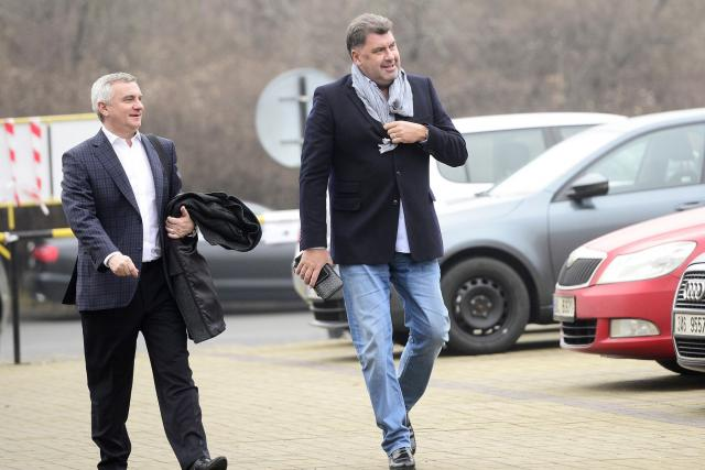 Hradní kancléř Vratislav Mynář a poradce prezidenta Martin Nejedlý. | foto: Fotobanka Profimedia,  Český rozhlas