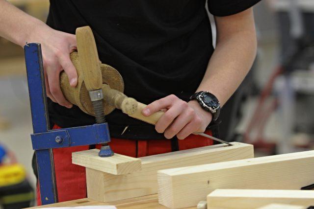 Řemeslník v dřevovýrobě (ilustrační foto)