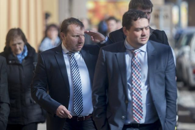 Miroslav Poche  (vlevo) podle Dienstbiera představuje ty nejzkorumpovanější složky pražské politiky,  ČSSD ho přitom nominuje na post ministra zahraničí | foto: Fotobanka Profimedia