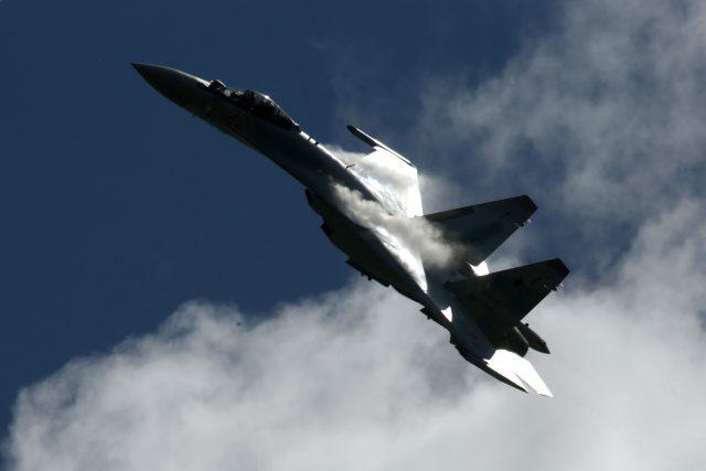 Moderní stíhací letouny Su-35 v Rusku zakoupila dosud jen Čína, dodávka Indonésii se zatím neuskutečnila kvůli americkým sankcím