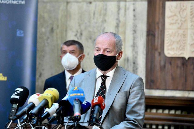 Andrej Babiš a Roman Prymula na tiskové konferenci po uvedení epidemiologa do funkce ministra zdravotnictví.