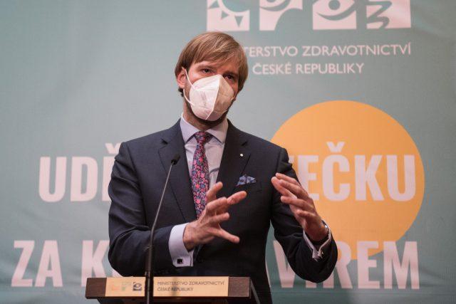 Adam Vojtěch na tiskové konferenci na Ministerstvu zdravotnictví | foto: René Volfík,  iROZHLAS.cz