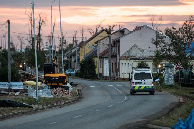 Mikulčice,  týden po tornádu. | foto: René Volfík,  iROZHLAS.cz