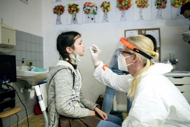 Testy jsou neinvazivní,  pomohou nám získat přehled o celostátním stavu epidemie,  vysvětluje ministr Plaga/ANO | foto: Michaela Danelová,  iROZHLAS.cz