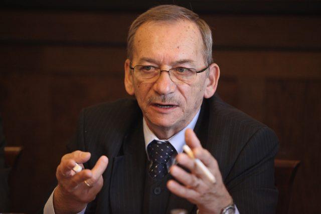 bývalý předseda Senátu Jaroslav Kubera (ODS)