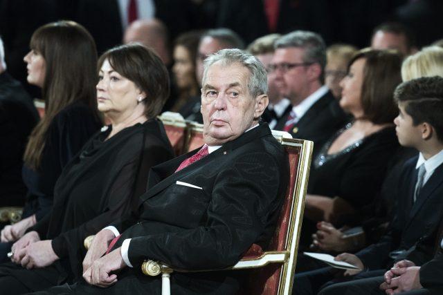 Prezident České republiky Miloš Zeman v neděli 28. října vyznamenal na Pražském hradě 42 lidí