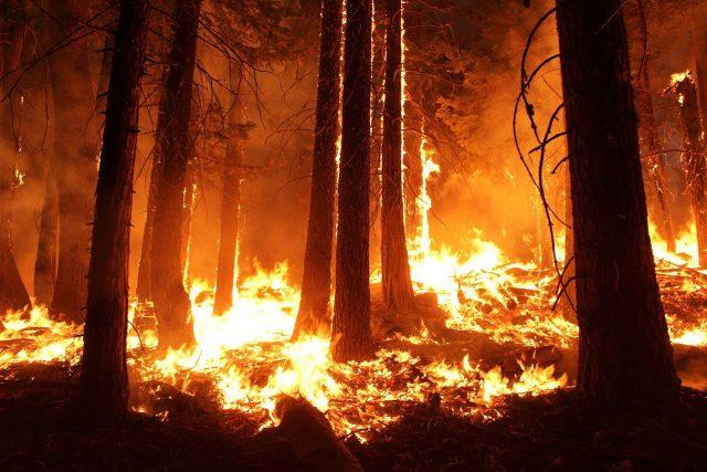 Na Sibiři stále zuří požár (ilustrační foto)