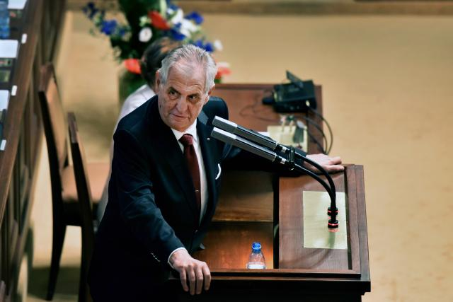 Prezident republiky Miloš Zeman přijel podpořit druhou vládu Andreje Babiše, který Poslaneckou sněmovnu žádá o důvěru.
