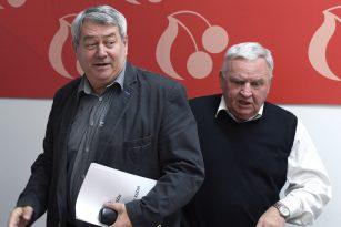 Předseda KSČM Vojtěch Filip (vlevo) a místopředseda Václav Ort