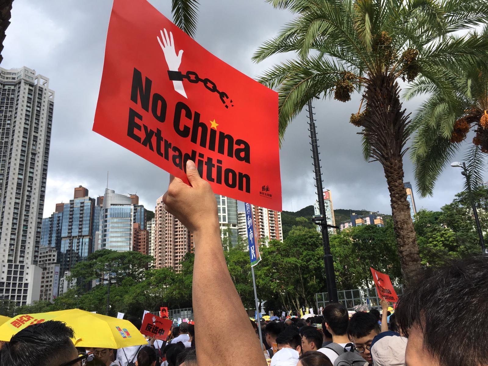 Snímky z demonstrací v Hongkongu.