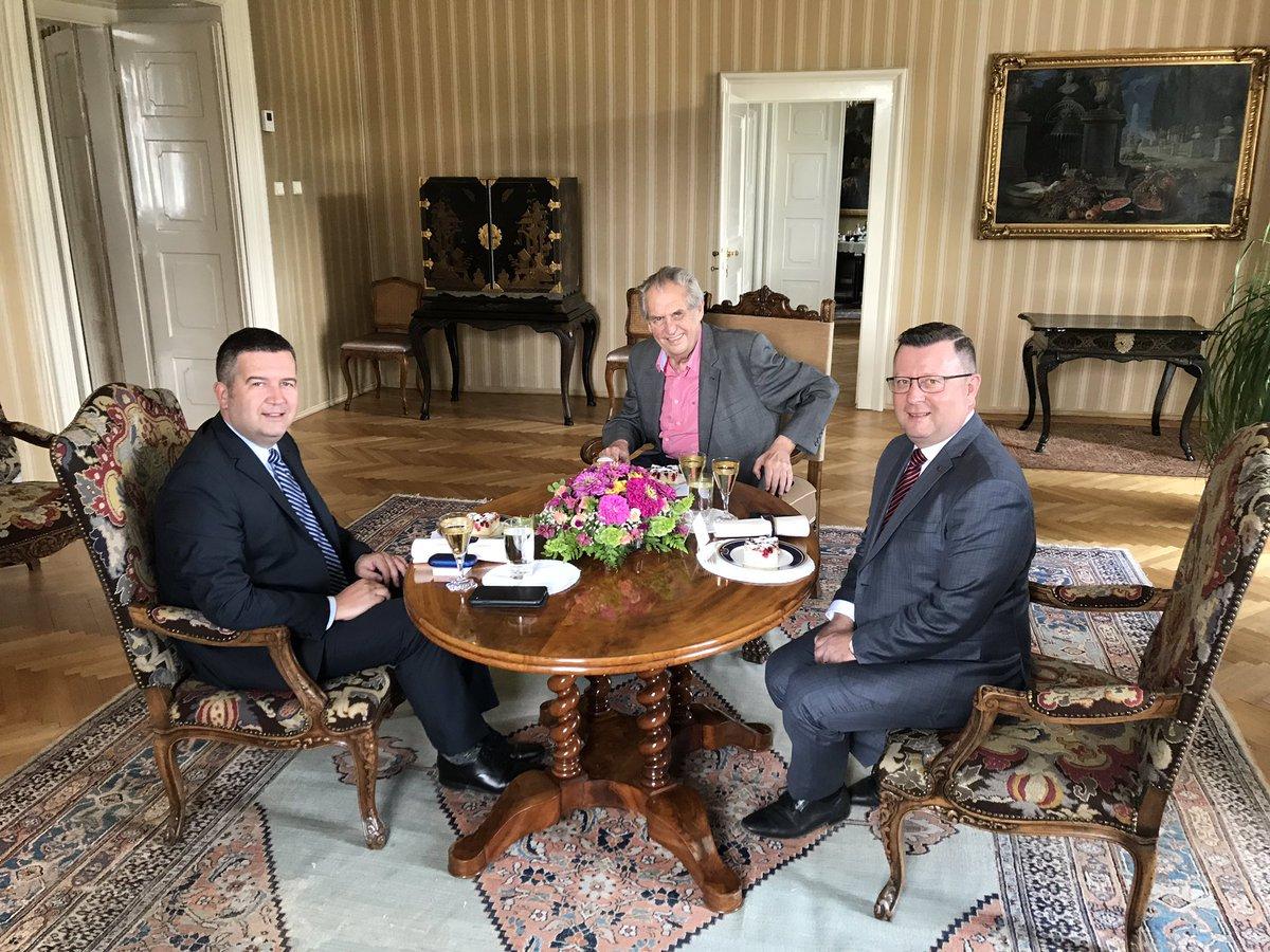 Prezident Miloš Zeman jednal s předsedou ČSSD Janem Hamáčkem a ministrem kultury Antonínem Staňkem