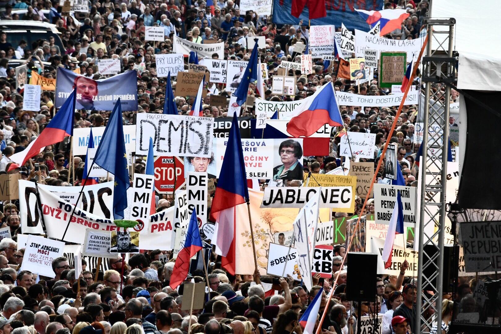 Demonstrace svolaná hnutím Milion chvilek pro demokracii.