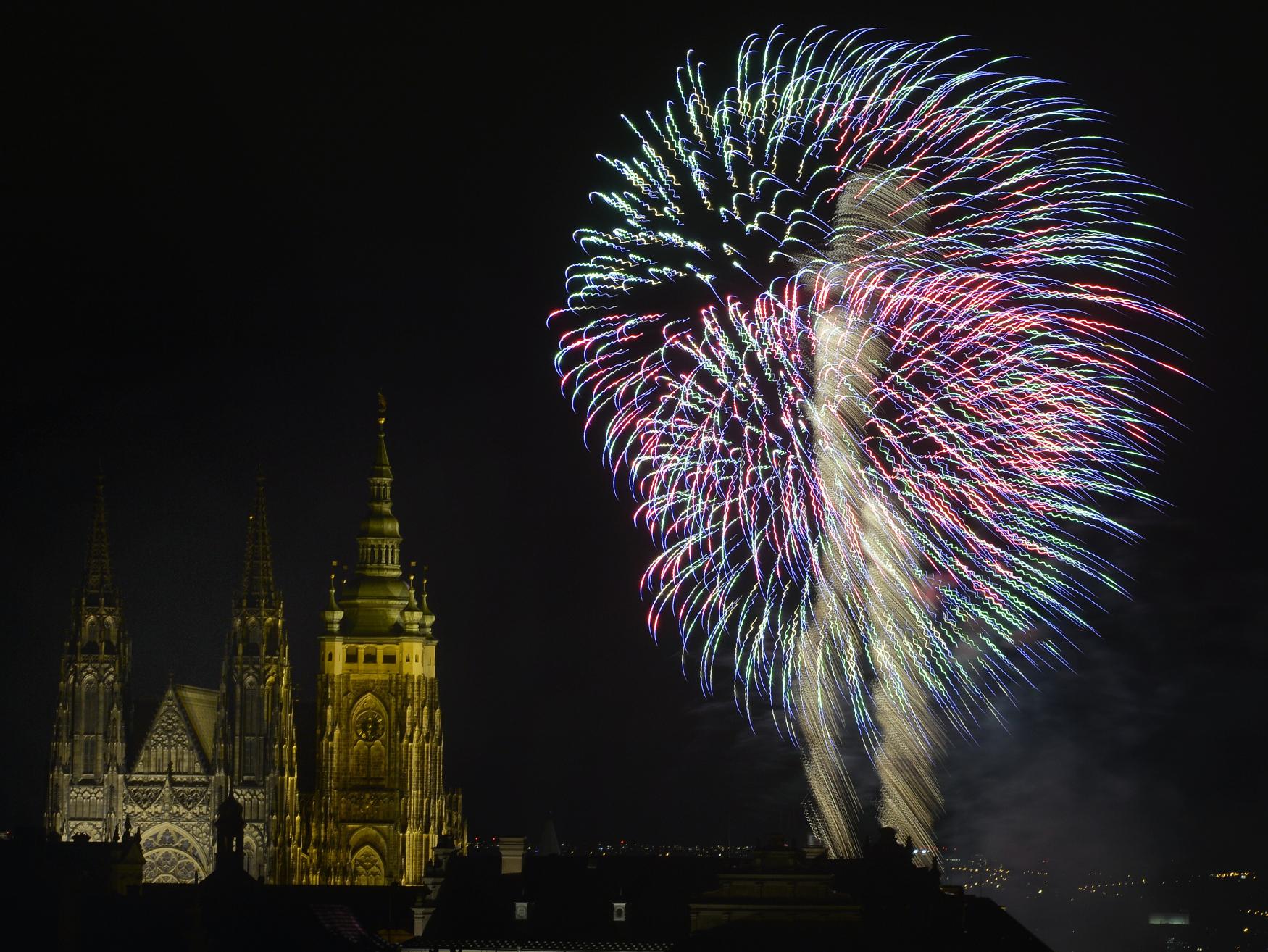 """""""Praha svobodná aneb 30 let od sametové revoluce"""", tak byl pojmenován novoroční ohňostroj"""