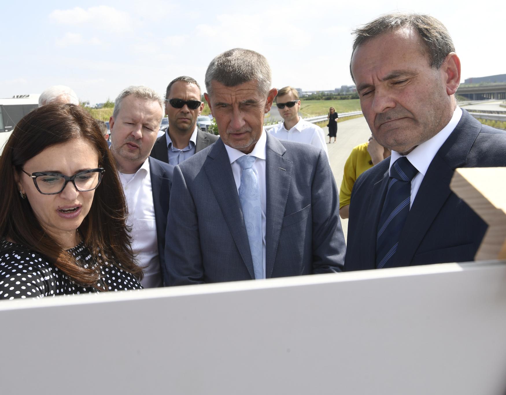 Výstavba středočeského úseku dálnice D3 na jih Čech by měla podle Babiše začít v roce 2024.