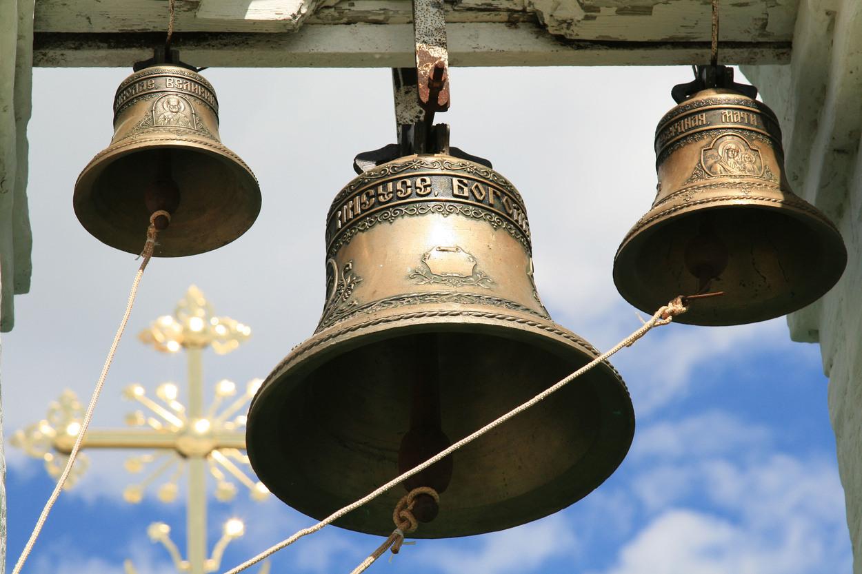Ruská pravoslavná církev šíření automatů nijak neomezuje. Vedoucí tiskové služby moskevského patriarchy Alexandr Volkov Meduze řekl, že tato technologie se používá v pravoslavných chrámech nejen v Rusku, ale i v Řecku.